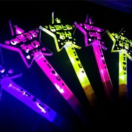 재롱찬치 콘서트 LED 응원도구 응원피켓 별봉 머리띠 야광봉 총모음